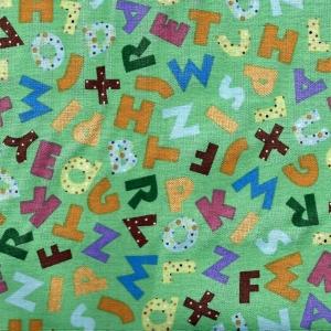 Basic  mit bunten Buchstaben, helles resedagrün