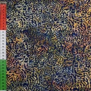 Batik, Mäander auf dunkelblauem Hintergrund